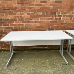 Office desks in white approx 160cm x 80cm