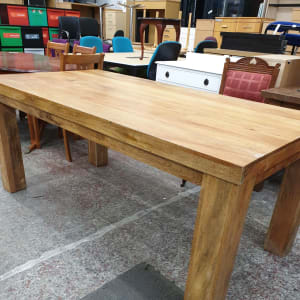 Large Sheesham Hardwood dining table