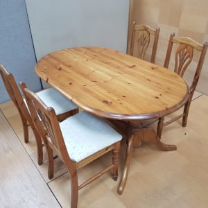 Pine Dining Table and Chair Set - CT Bilston
