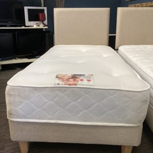 Single bed set inc Memory foam Mattress (Preowned Good condition)
