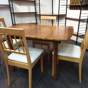Extendining Dining Table and x 4 Chairs