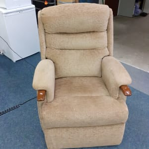 hsl elcetric rise and recliner armchair
