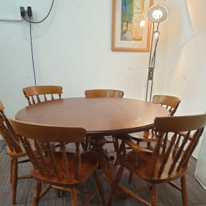 Beautiful  large Dining table with x 6 chairs
